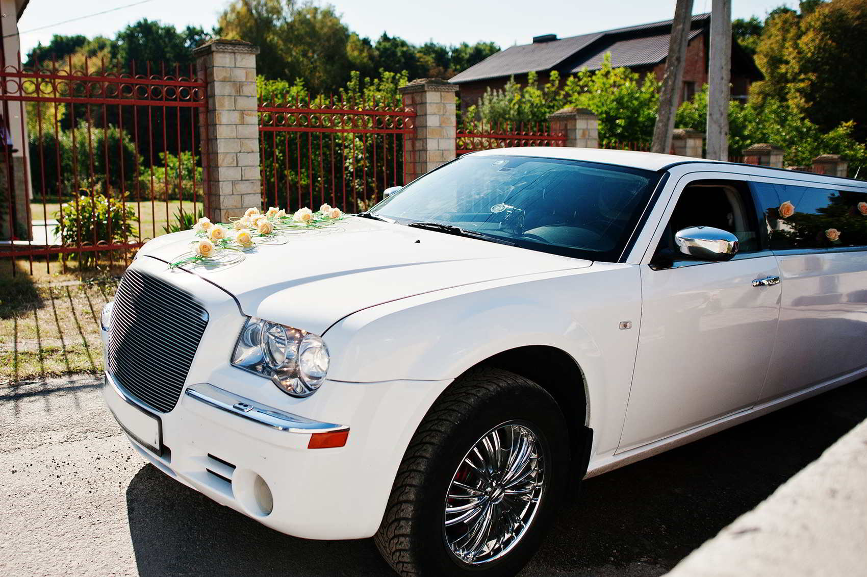 10-Passenger White Stretched Clearwater, Florida Wedding Limo