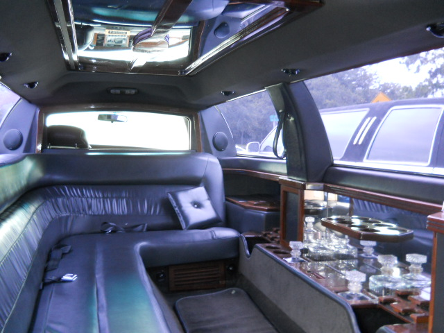 Photo of the interior of a 14 Passenger Ford Expedition Stretch SUV Limo, Ruth Eckerd Hall, Clearwater, Florida.