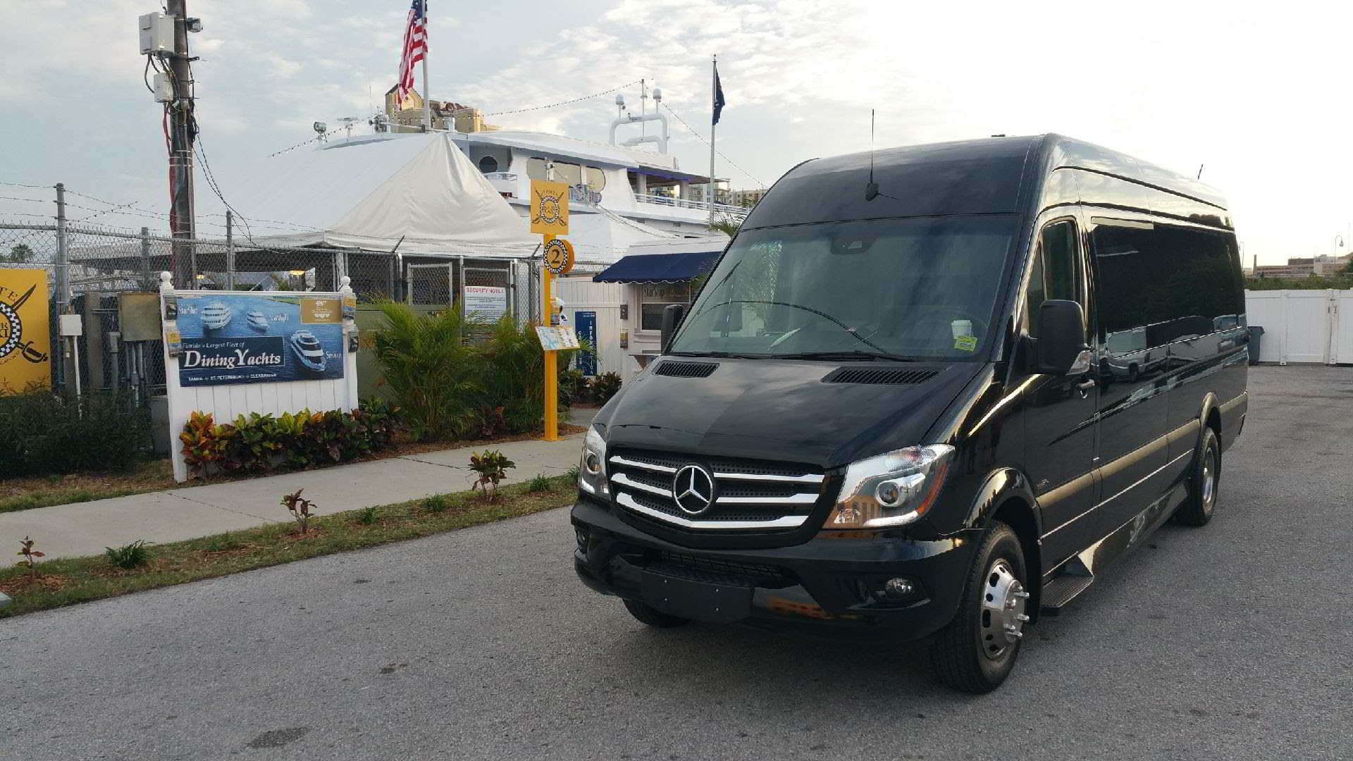 Photo of a Black 12 Passenger Party Bus, Dinner Cruise, Clearwater Beach, Florida.