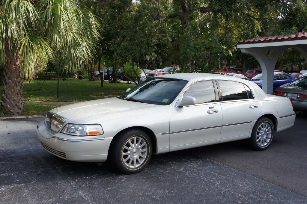 Sedan Town Car Service Clearwater, FL. External Photo. Clearwater Airport Limo Service. Date Nite Car Service Clearwater, Florida. Anniversary Car Service Clearwater Beach, FL.